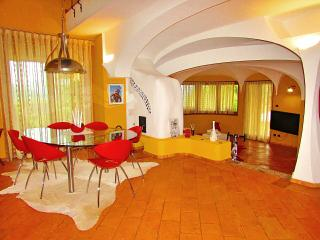 Luminosa stanza in villa singola, Marchirolo