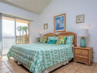 Dolphin 27  Casual townhome style, near the beach, South Padre Island
