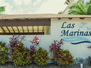 MARINA & reserved SLIP, yet SO CLOSE TO BEACH! Las Marinas