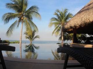 Casa Maya-Oceanfront Villa, Infinity Pool