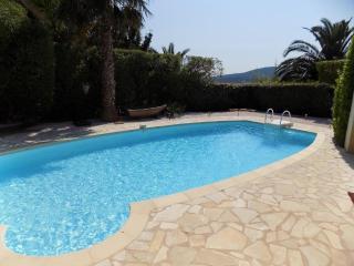 Rez de villa proche plage avec piscine privative, Sainte-Maxime