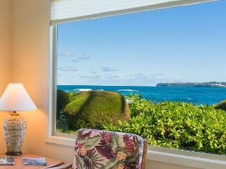 Premium oceanfront unit 10 steps from the sand!   March now discounted!, Hanalei