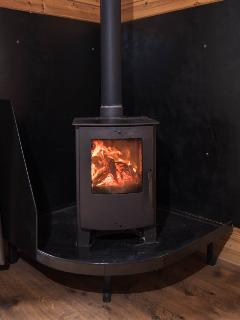 Multi fuel stove. Logs supplied