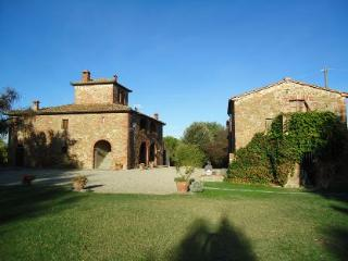 8 bedroom Villa in Cortona, Tuscany, Italy : ref 2020487