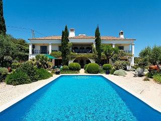 5 bedroom Villa in Vilamoura, Algarve, Portugal : ref 2022303
