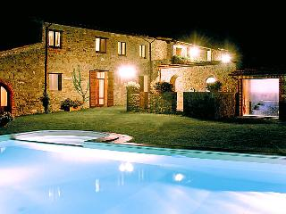 Poggio Santa Cecilia Holiday Home Sleeps 16 with Pool Air Con and Free WiFi