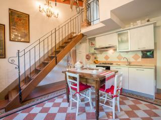 Tognazzi Casa Vacanze - Appartamento La Bifora