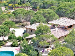 5 bedroom Villa in Moureze, Languedoc roussillon, Herault, France : ref 2089249