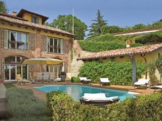 4 bedroom Villa in Monforte d ´Alba, Piedmont, Piedmont Countryside, Italy : ref 2089871, Monforte d'Alba