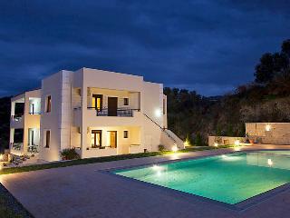 Villa in Kirianna, Rethymno, Rethymnon, Crete, Greece, Loutra