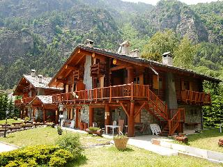 2 bedroom Apartment in Antey St Andre, Aosta Valley, Italy : ref 2132150