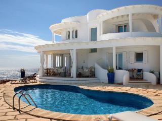 4 bedroom Villa in Punta Prima, Menorca, Menorca : ref 2132502, Alcaufar