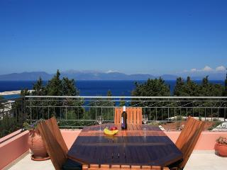 4 bedroom Villa in Fiskardo, Kefalonia, Greece : ref 2132503