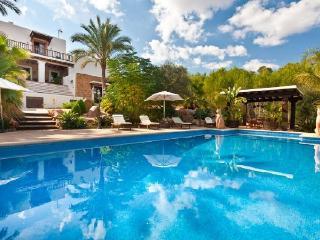 Villa in Santa Eulalia Del Rio, Ibiza, Ibiza, Santa Eulalia del Rio