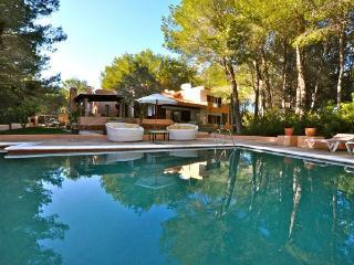 4 bedroom Villa in Santa Eulalia Del Rio, Cala Llenya, Ibiza, Ibiza : ref