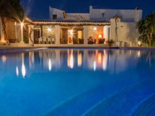 Villa in Santa Eulalia Del Rio, Puig Den Valls, Baleares, Ibiza, Santa Eulalia del Rio