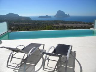 4 bedroom Villa in Cala Carbo, Islas Baleares, Ibiza : ref 2227662