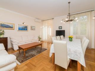 Acacia Luxury apartment Split, 4-rooms/3-bathrooms