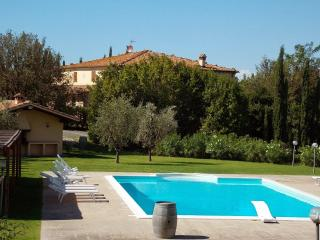 10 bedroom Villa in Terricciola, Volterra And San Gimignano Surroundings, Tuscany, Italy : ref 2135131, Soiana