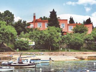 11 bedroom Villa in Novi Vinodolski-Klenovica, Novi Vinodolski, Croatia : ref 2183920