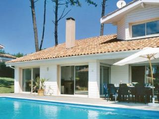 4 bedroom Villa in Moliets, Landes, France : ref 2184622
