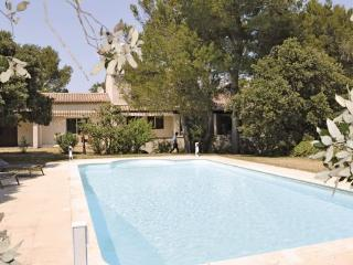 5 bedroom Villa in Cavaillon, Vaucluse, France : ref 2184801