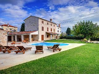 5 bedroom Villa in Rovinj Bale, Istria, Croatia : ref 2214162