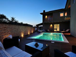 5 bedroom Villa in Rovinj Rovinjsko Selo, Istria, Croatia : ref 2218568