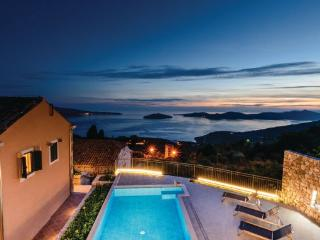 6 bedroom Villa in Dubrovnik-Brsecine, Dubrovnik Riviera, Croatia : ref 2219086, Trsteno