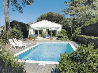 3 bedroom Villa in Ste Marie de Re/Ile de Re, Charente Maritime, France : ref