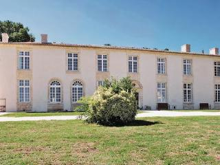 9 bedroom Villa in St.Pey de Castets, Gironde, France : ref 2221403