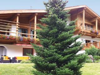 5 bedroom Villa in Luxus-Chalet/Kitzbuhel, Tirol, Austria : ref 2224923, Aurach bei Kitzbuehel