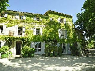 Villa in La Tour d'Aigues, Provence, France