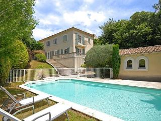 4 bedroom Villa in Vauvert, Provence, France : ref 2226404