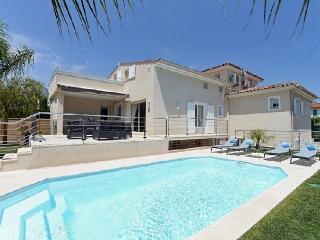 Villa in Cagnes Sur Mer, Cote D Azur, France, Cagnes-sur-Mer