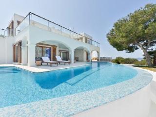 Villa in Santa Eulalia Des Riu, Ibiza, Cala Llenya