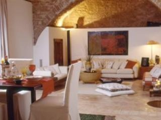 3 bedroom Villa in Spello, Campagna Umbra, Umbria, Italy : ref 2230328