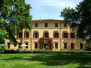 5 bedroom Villa in Sermide, Mantova, Lombardy And Lake Como, Italy : ref 2230344