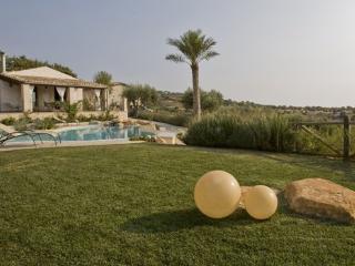 6 bedroom Villa in Scicli, Ragusa Area, Sicily, Italy : ref 2230345