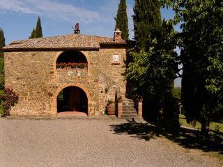 4 bedroom Villa in Montalcino, Siena Area, Tuscany, Italy : ref 2230366