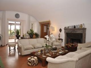 8 bedroom Villa in Magliano Sabina, Campagna Sabina, Rome And Lazio, Italy : ref 2230478