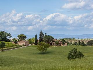 Villa in Castelnuovo Tancredi, Siena Area, Tuscany, Italy