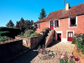 2 bedroom Villa in Marigny-le-Cahouet, Bourgogne-Franche-Comte, France : ref 505