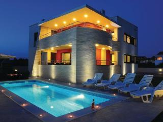 6 bedroom Villa in Zadar-Zaton, Zadar, Croatia : ref 2238249
