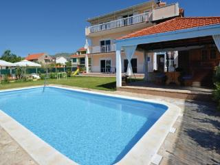 7 bedroom Villa in Trogir-Kastel Luksic, Trogir, Croatia : ref 2238597