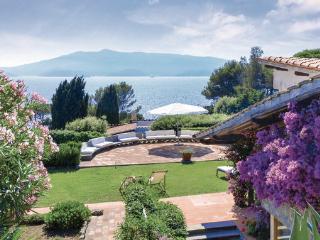 4 bedroom Villa in Ansedonia, Maremma / Monte Argentario, Italy : ref 2239447