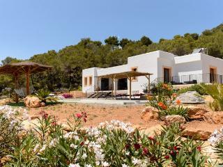 3 bedroom Villa in Santa Eulalia Del Rio, Sant Carles De Peralta, Ibiza : ref
