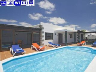 4 bedroom Villa in Playa Blanca, Canary Islands, Lanzarote, Canary Islands : ref 2240186, Yaiza