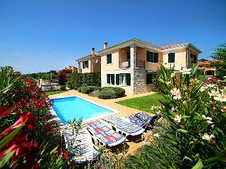 4 bedroom Villa in Karpinjan, Istria, Croatia : ref 5083733