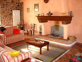 4 bedroom Villa in Castelnuovo di Garfagnana, Lucca Pisa, Italy : ref 2057836